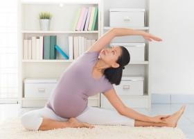 7 động tác yoga đơn giản giúp bà bầu khỏe mạnh, dễ sinh nở