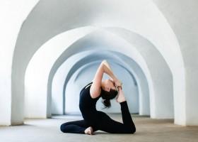 Dành cả tuổi thanh xuân để yêu Yoga - Bài dự thi 01