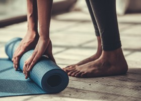 Cách chọn thảm tập yoga theo nhu cầu của bạn