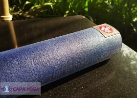 """Có phải """"thảm tập yoga mới"""" có mùi nghĩa là độc hại?"""