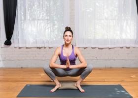 Yoga nên tự tập hay tham gia vào các trung tâm?