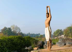 Tư thế trái núi và những lợi ích cho sức khỏe